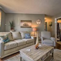 Modern Home with Patio and Grill, 1 Mi to Stockton Lake, hotel in Stockton