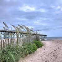 Carolina Beach Condo with Pool Access -Steps to Shore