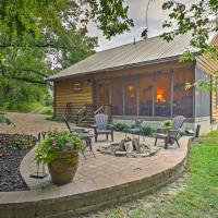 Makanda Cabin with Deck in Shawnee National Forest!