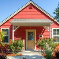 Serene Bungalow-Style Home in Point Reyes Station!, hotel in Point Reyes Station