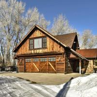 Secluded Luxury Home - 20 Mi to Bridger Bowl Ski!, hotel in Bozeman