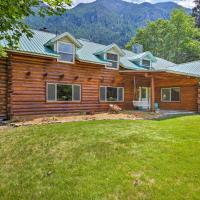 Pastoral Troy Log Home with Cabinet Mountain Views!, hotel in Troy