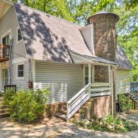 'Mallard's Rest' Waterfront Hot Springs Home!, hotel in Hot Springs