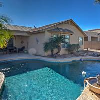 Luxe Home with Pool about 3 Miles to San Tan Mountain Park, hótel í Queen Creek