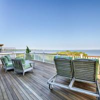 Luxe East Quogue Waterfront Home with Sandy Beach!, hotel in East Quogue
