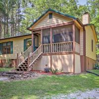 Cozy Pine Mountain Cabin with Screened Porch & Yard!