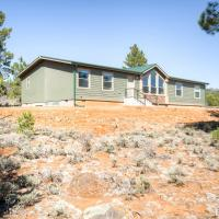 Secluded Boulder House - Next to National Forests!