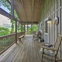'Summit Splendor' Smoky Mountain Cabin with Views!, hotel in Balsam