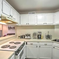 Baton Rouge Townhome with Pool Access - Mins to LSU