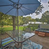 Private 1-Acre Grove Home with Hot Tub by Grand Lake!, hotel in Grove