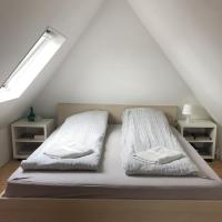 Cozy rooms next to Train station, hotel in Vrå