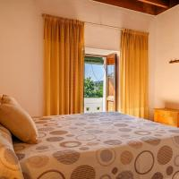 Espaciosa Villa Con Piscina Privada, hotel en Port de Sant Miquel