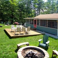Lakefront Ossipee Cottage with Screened Porch and Deck!, hotel in Ossipee