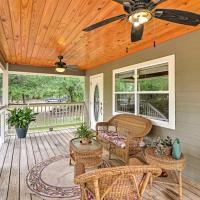 Crystal River Cottage w/Porch, Deck, & 1.25 Acres!