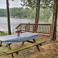 Lakefront Wild Rose Condo with Pier and Pontoon Boat!, hotel in Mount Morris