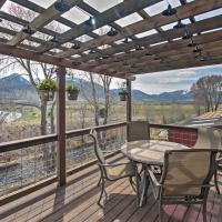 Lovely Livingston Loft with Mountain and River Views!, hótel í Livingston