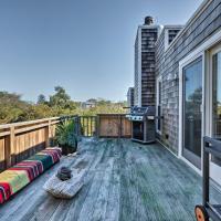 Upscale Montauk Villa with Hot Tub-Near Beach & Parks