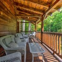 Scenic Trade Cabin with Deck near Boone and App State!, hotel in Trade