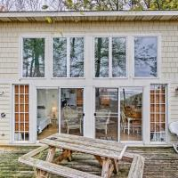 Beachfront Lake Michigan Cottage with Fire Pit and Deck, hotel in Muskegon