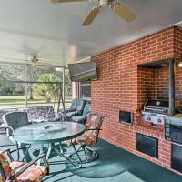 Cozy Sanford Home near Orlando Resorts and Airport!