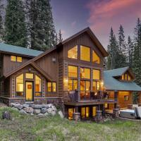 Breckenridge House with Deck and Hot Tub on 1 Acre!, hotel in Blue River