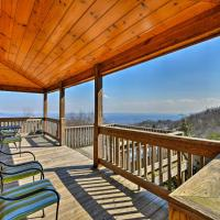 Warm and Cozy Cabin with Deck on Top of the Blue Ridge!, hotel in Fancy Gap