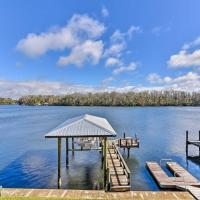 Homosassa Home with Private River Dock and Boat Ramp!