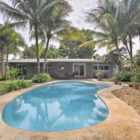 Renovated Oakland Park Home with Yard, Patio and Pool!, hotel in Fort Lauderdale