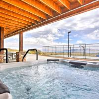 Cabin with Beach Access, Sport Court, Hot Tub & View