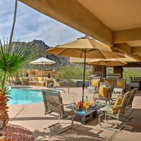 Walkable Carefree Casita with On-site Pool and Jacuzzi!, hotel in Carefree