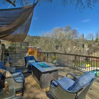 Cozy Clearlake Oaks Home with Game Room, Dock and Deck!, hotel in Clearlake Oaks