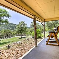 Cozy Medina Cottages with Patio and Mountain Views!, hotel in Medina
