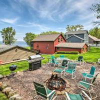 Waterfront Lake Koshkonong Home with Pier and Fire Pit!, hotel in Edgerton