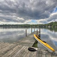 Lake Winnipesaukee Cottage with Kayaks and Dock!, hotel in Meredith
