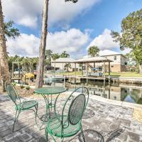 Spacious and Hip Crystal River Home with Dock and Kayaks!, hotel in Crystal River