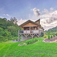 Cabin with Hot Tub and Fire Pit, 15 Min to Asheville!, hotel in Fletcher