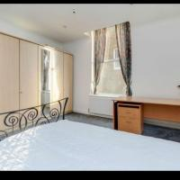 Large Spacious Double Bedroom in Ealing Broadway