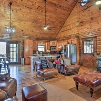 Luxury Log Cabin with 5 Private Acres and Hot Tub!