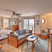 Oceanfront Lincolnville Studio with Private Balcony!, хотел в Линкълнвил