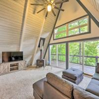 Lakeside Family Home with Deck, Fire Pit and Grill!, hotel in Baxter