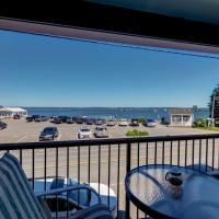 Lincolnville Studio with Ocean-view Balcony!