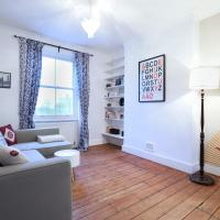 2BR Maisonette in Kentish Town by GuestReady