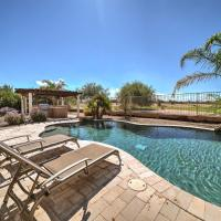 Chic Maricopa Golf Course Escape with Outdoor Oasis!, hotel in Maricopa