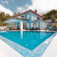 Villa Loreina Palace with Private Pool and Soccer field