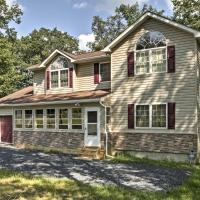 Bushkill House with Deck and Resort Community Amenities