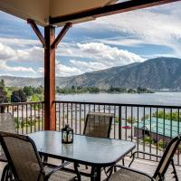 Breezy Lake Chelan Condo with Pool and Hot Tub Access!