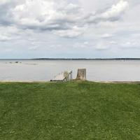 Lakefront Prudenville House with Yard and Private Dock!, hotel in Houghton Lake