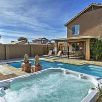 Coolidge Getaway with Pool, Hot Tub and Fire Pit!, hotel in Coolidge