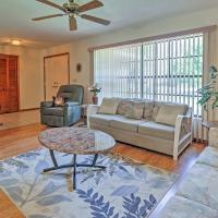 Pristine Spring Hill House with Private Pool and Lanai, hotel in Spring Hill