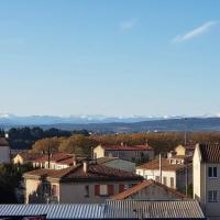 Tout confort ! Vue Pyrénées, Ville ,Parking, Ascenseur, WiFi